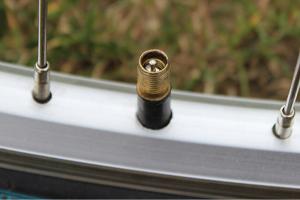Schrader valve - 300 x 200