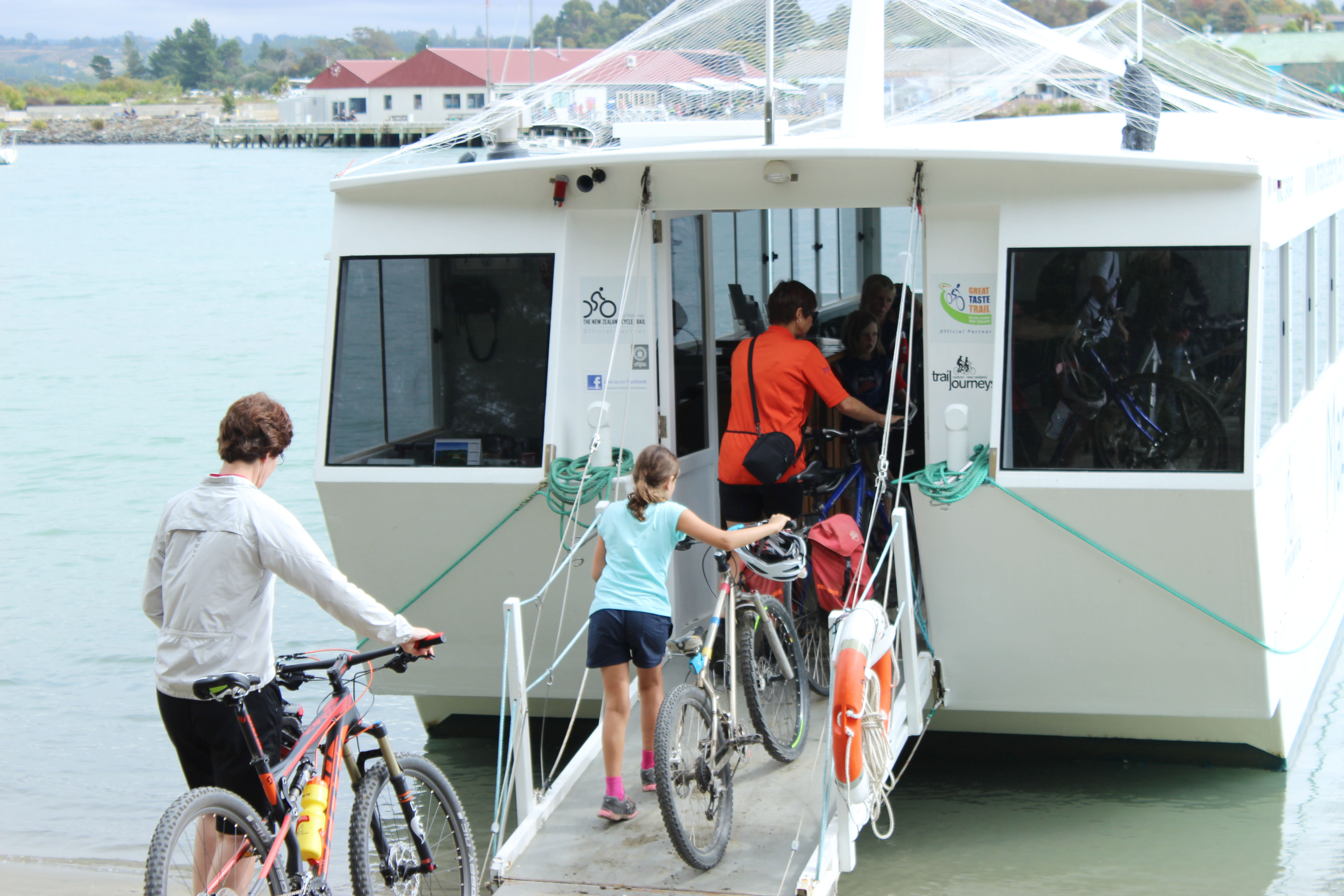 get inspired bike kids Nelson Kaiteriteri Great Taste CycleTrail New Zealand bikes wheeled  Mapua Ferry goRide