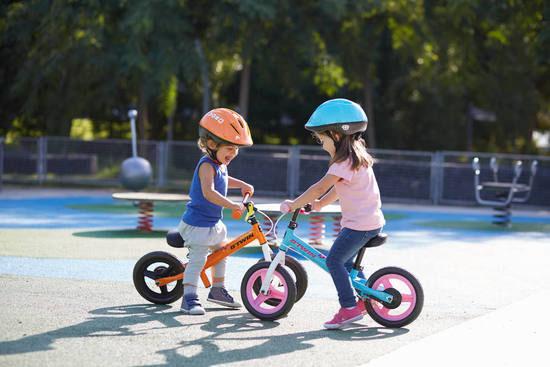 kids on balance bikes