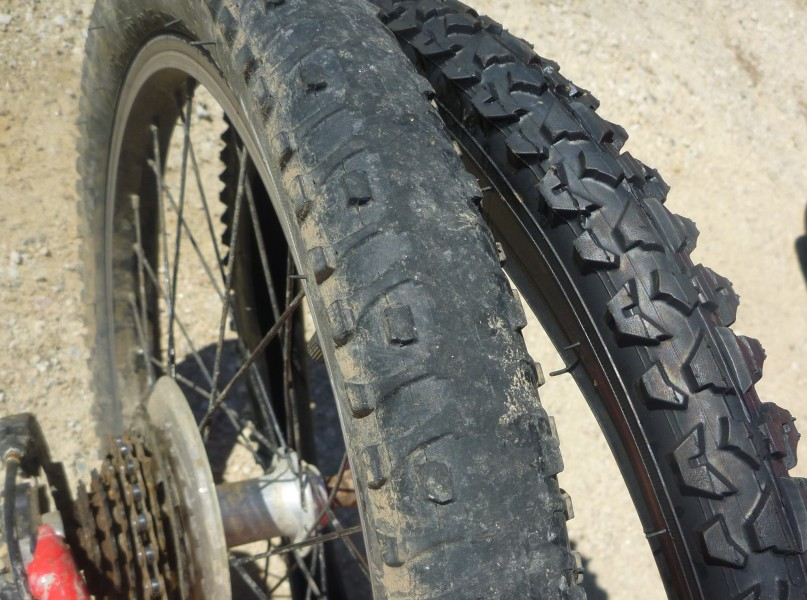 Treads. Changing your bike tyre. goRide