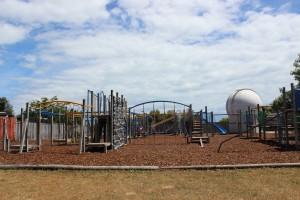 Atawhai shared pathway Clifton Terrace school playground amily biking goRide