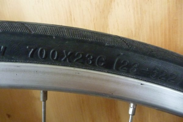 Road bike bike tube size.  How to buy a bike tube. goRide