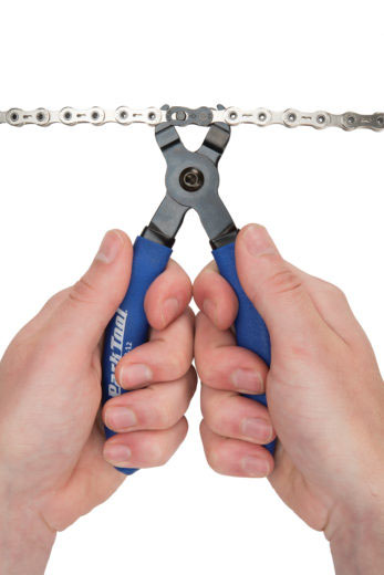 Masterlink pliers -removing bike chain